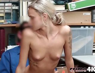 Blonde babe sucks strangers out