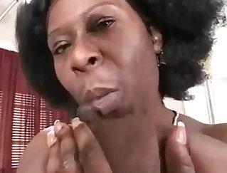 B : good black dick for mom Madison White on Tinder