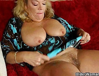 Bigass euromilf pussyfucked doggystyle in office