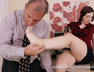 Alluring but very hot foot fetish
