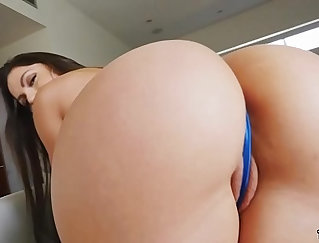 Bubble Ass Latina Gets Fucked Doggystyle