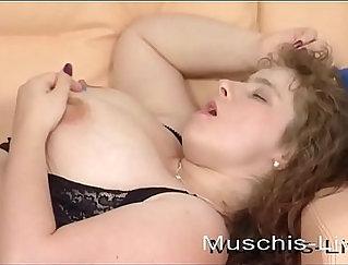 BBW Texas Girlfriend Masturbates For Camera