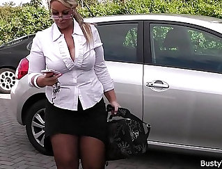 Blonde SSBBW bent over and spreads legs for bukkake