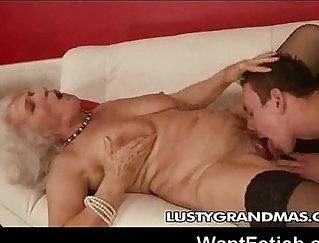 Another vaudent Grandma feat. Idina Sakurai