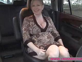 Beautiful pregnant milf masturbation fuck