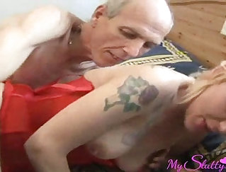 Bigtitted realtor mother playing with cock