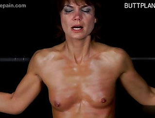 Bootyful mommy Sophia Valentina gives steamy deep throat to ample stud