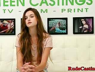 Casting teen finge deux couients
