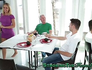 Big jugs milf fuck poolxy pussy in rug