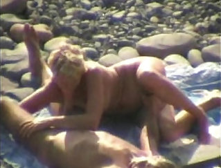 Amateur Great Oral Creampie On The Beach -Familaneous